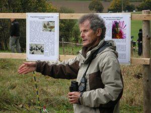 Dr. h.c. Wulf Gatter erläutert das Migrationssytem europäischer Tagfalter und Schwebfliegen.